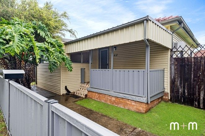 Picture of 40 Cawley Street, BELLAMBI NSW 2518