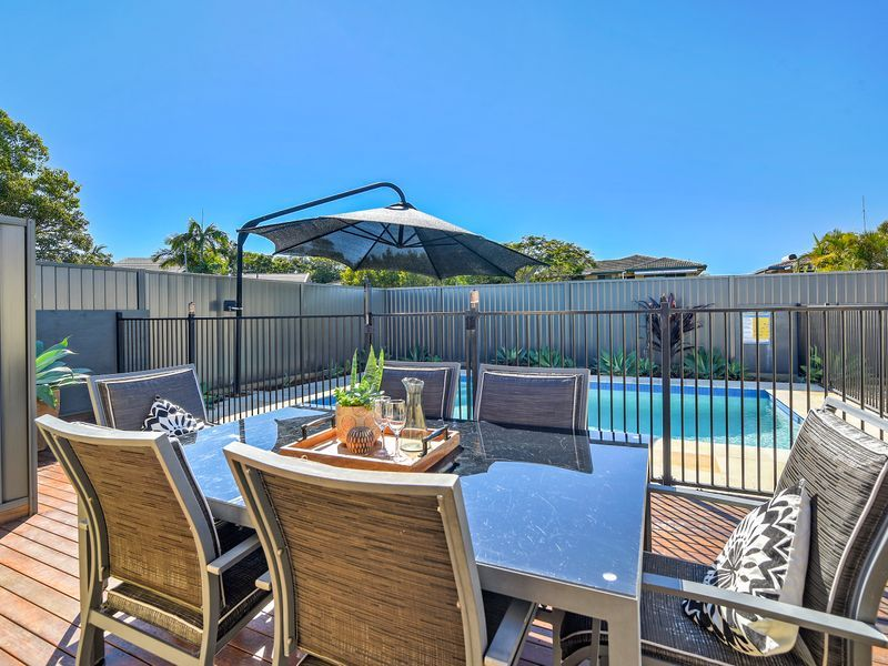 13 Oakwood Terrace, Palm Beach QLD 4221, Image 2