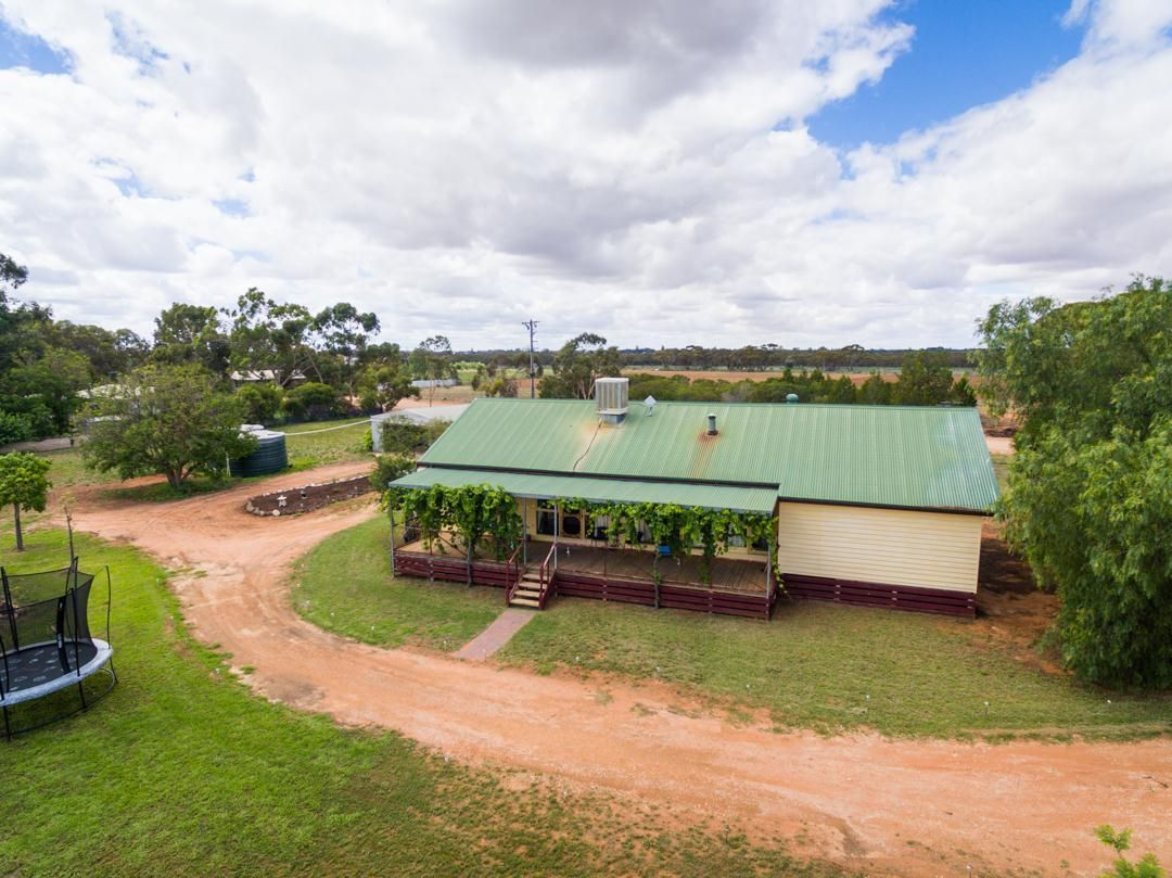 15 Hillview Road, Merbein West VIC 3505, Image 0