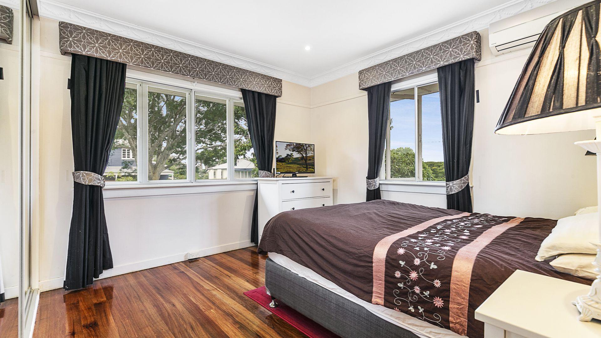 31 Wishart Road, Upper Mount Gravatt QLD 4122, Image 2