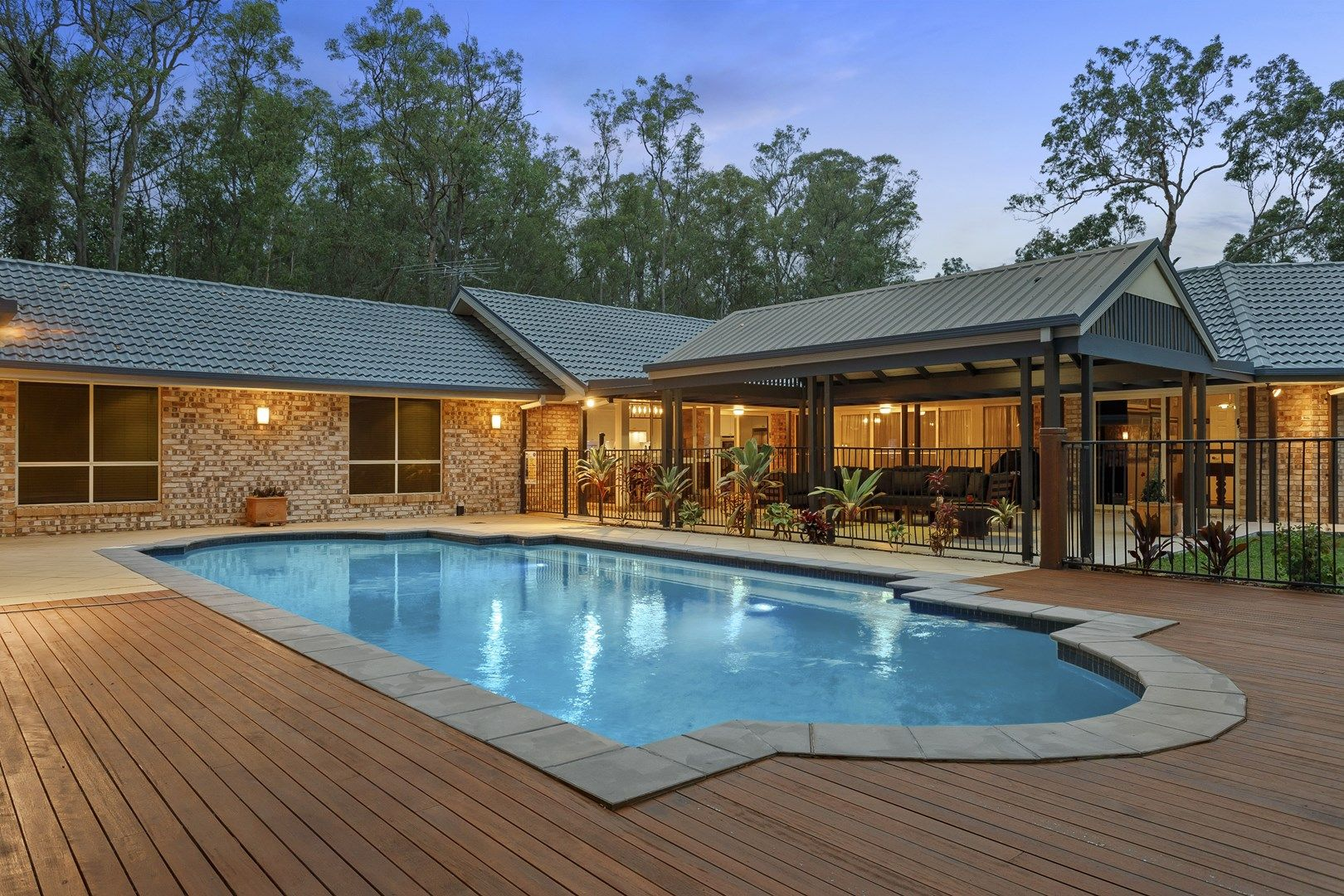 4 Heath Court, Cashmere QLD 4500, Image 0