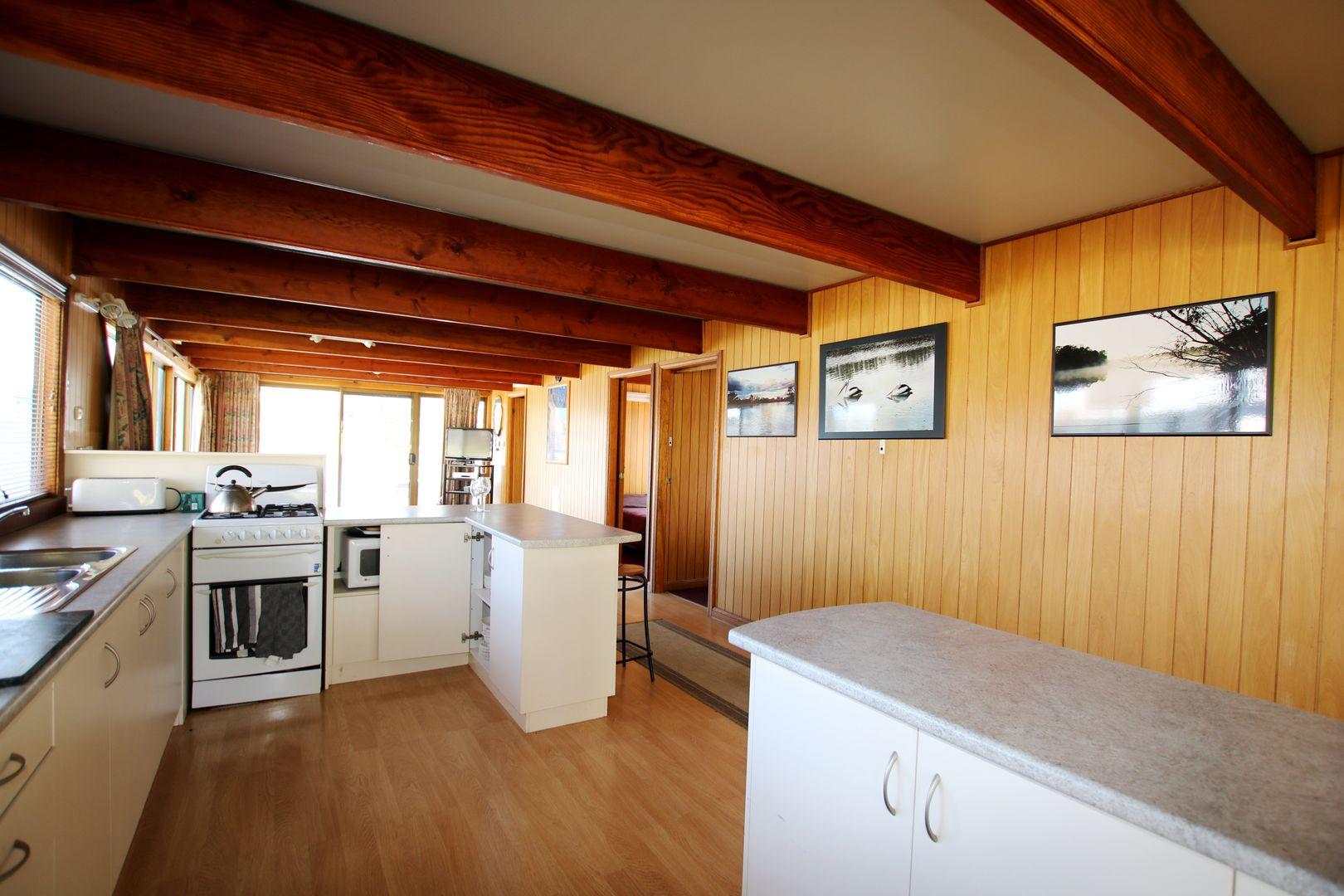 Houseboat Karinya, Berri SA 5343, Image 2