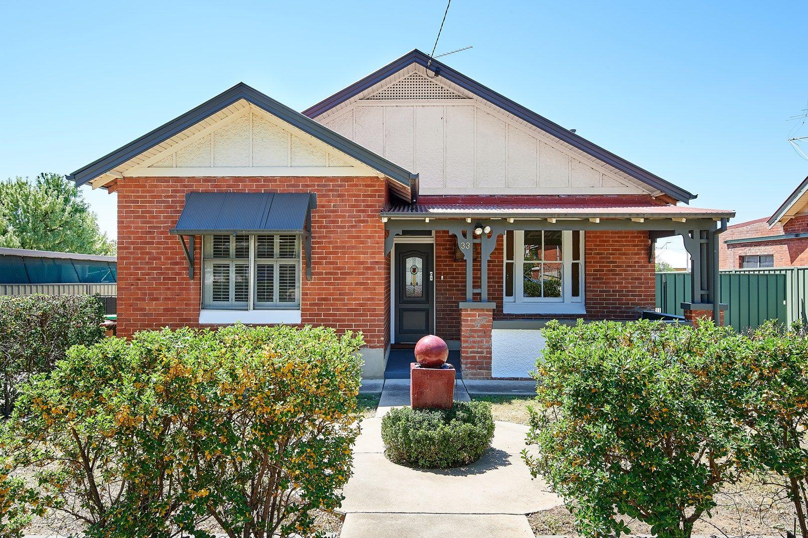 33 Gormly Avenue, Wagga Wagga NSW 2650, Image 0
