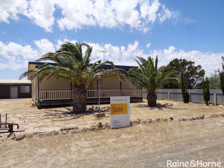 25 Shearwater Way, Thompson Beach SA 5501, Image 0
