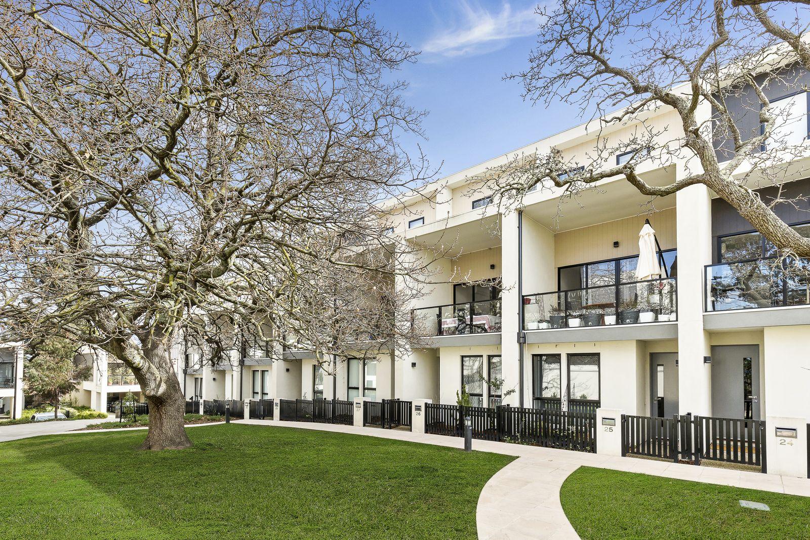 26 Oak Terrace, Wheelers Hill VIC 3150, Image 0