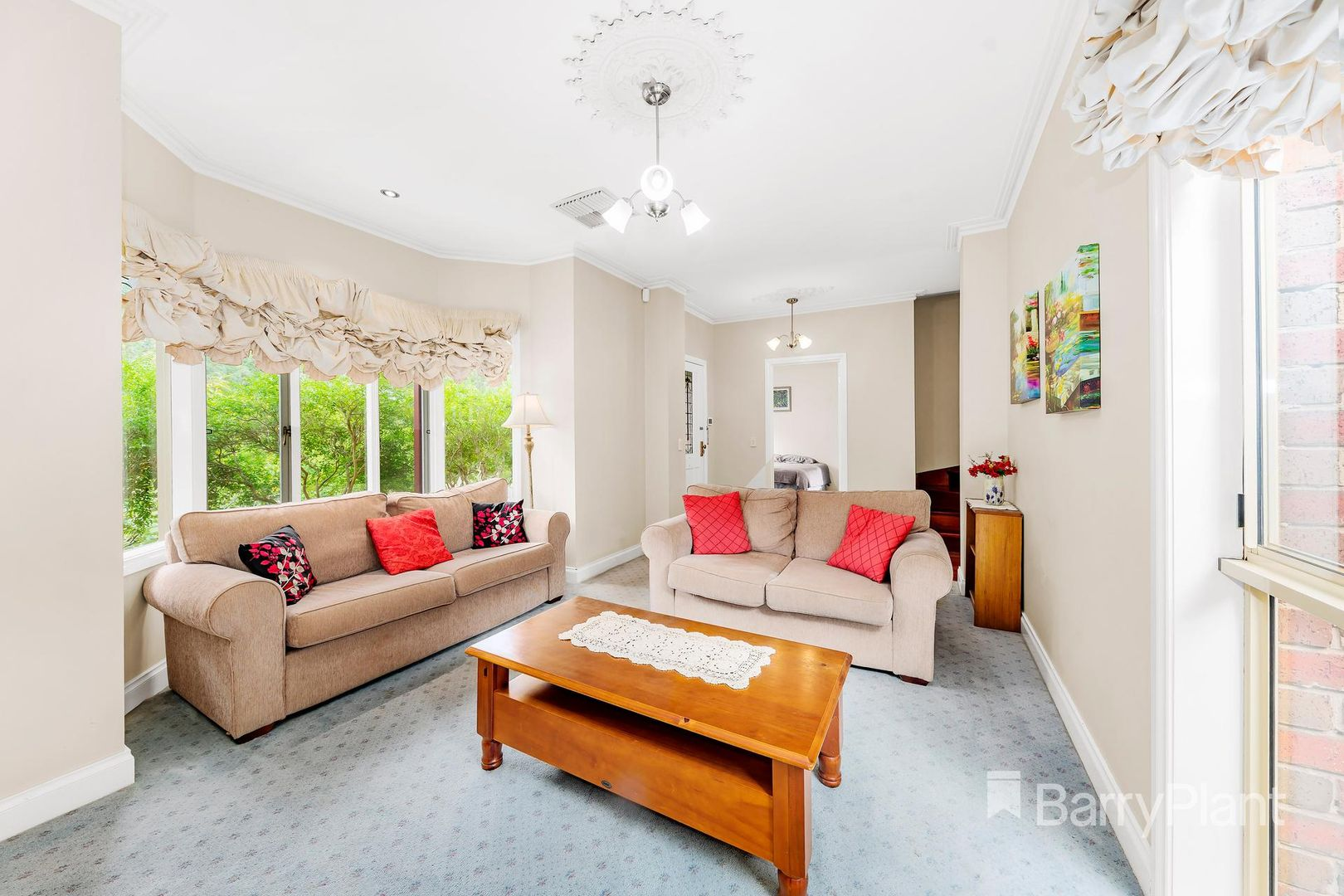 10 Viewbank Place, Mill Park VIC 3082, Image 1