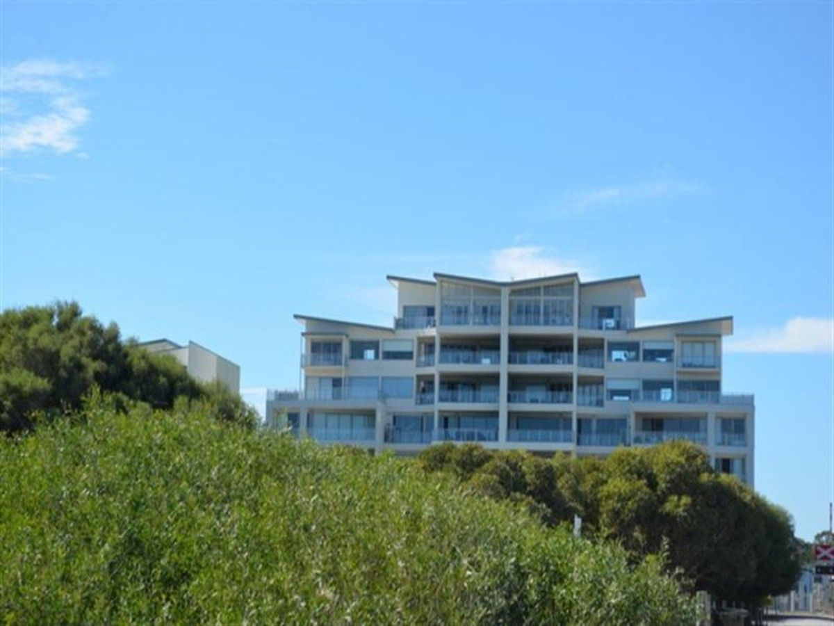 1/52 Rollinson Road, North Coogee WA 6163, Image 0