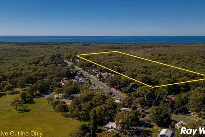 Picture of 135A Green Point Drive, GREEN POINT NSW 2428