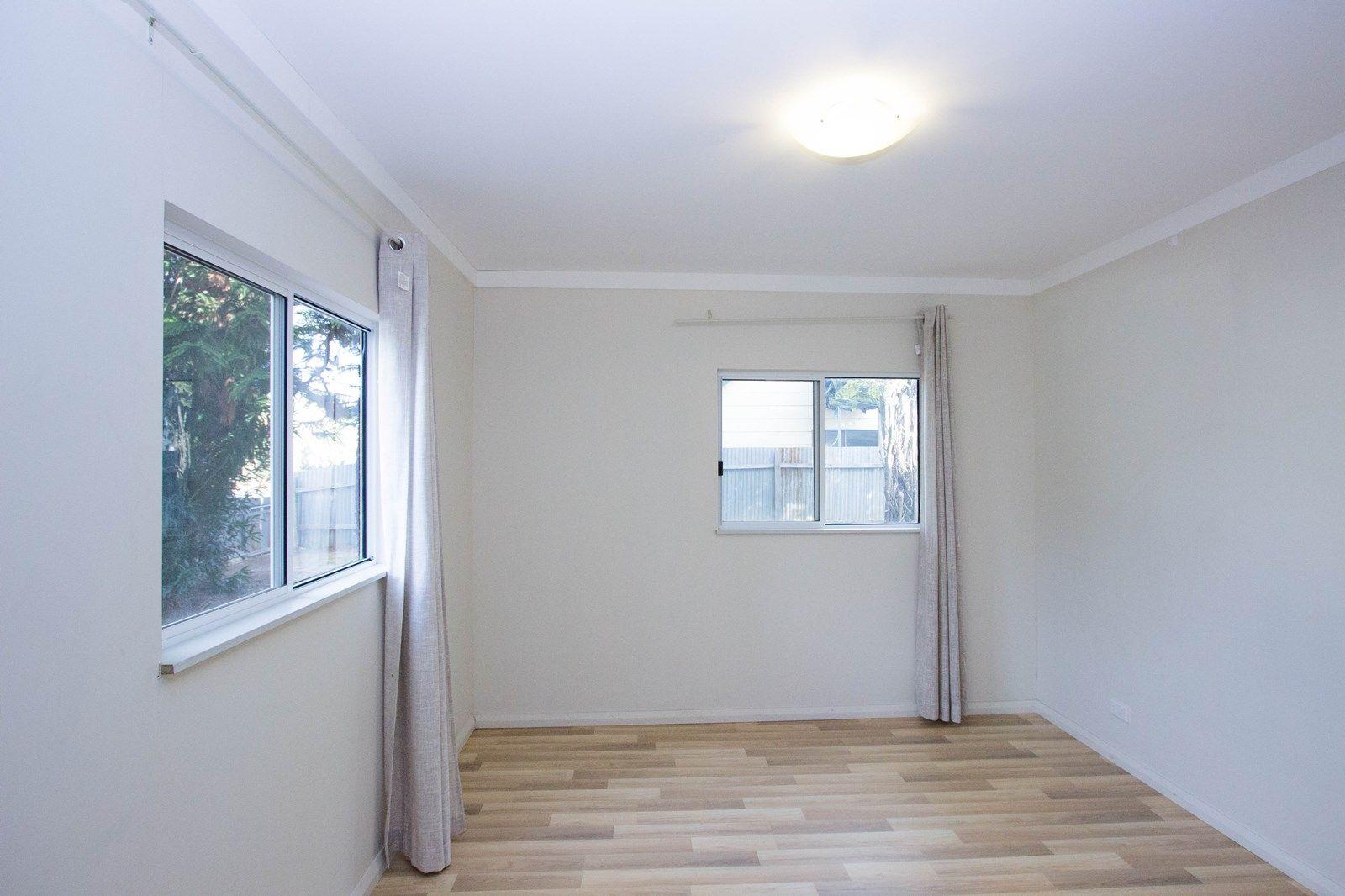168 Sharpe Street, Temora NSW 2666, Image 2