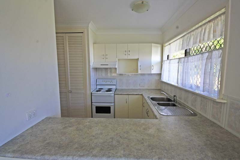 34 Theresa Street, Golden Beach QLD 4551, Image 2
