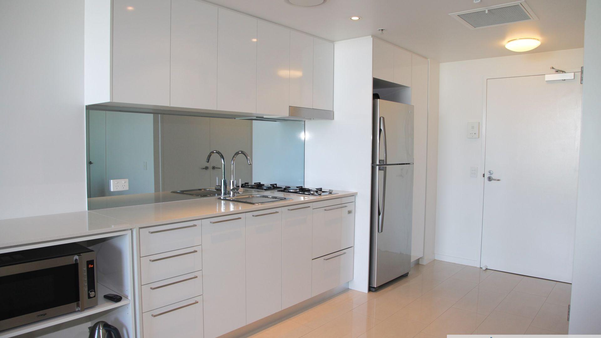 8 Harbour Road, Hamilton QLD 4007, Image 1