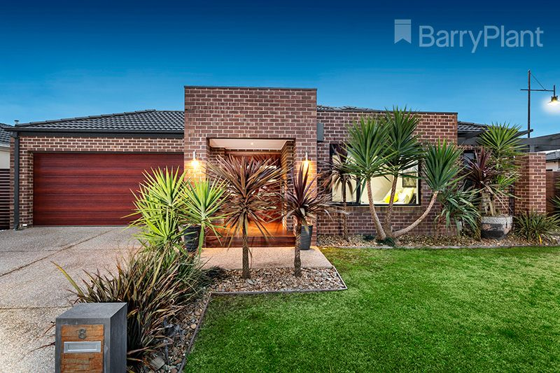 8 Fieldstone Crescent, Cranbourne North VIC 3977, Image 0