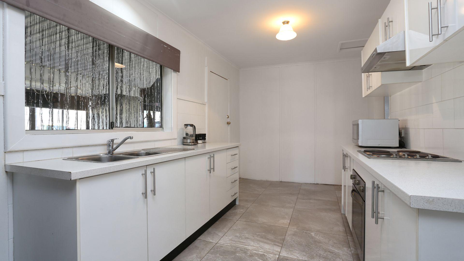 8 Devon Place, Busby NSW 2168, Image 1