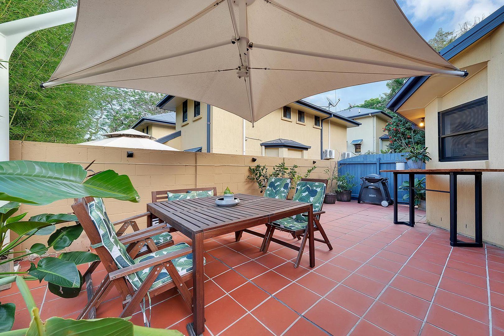 2/30 Rokeby Terrace, Taringa QLD 4068, Image 2