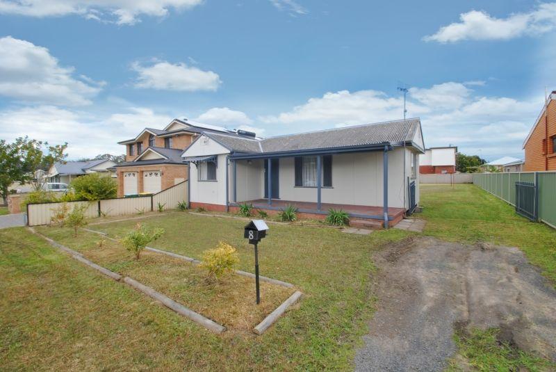8 Athol Street, Toukley NSW 2263, Image 0