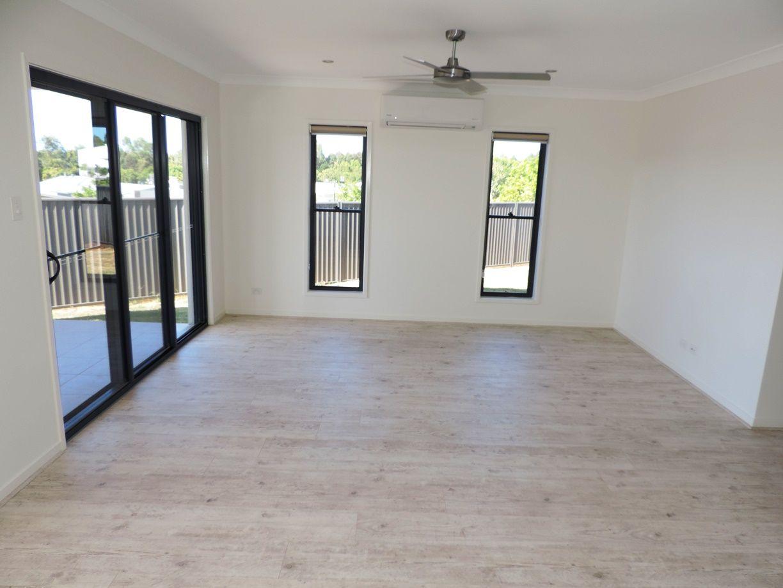 4 Hollyhock Crescent, Noosa Heads QLD 4567, Image 2