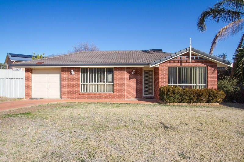 10 Fishermans Place, Oxley Vale NSW 2340