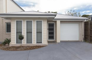 Picture of 1/97A Stuart Street, Mount Lofty QLD 4350