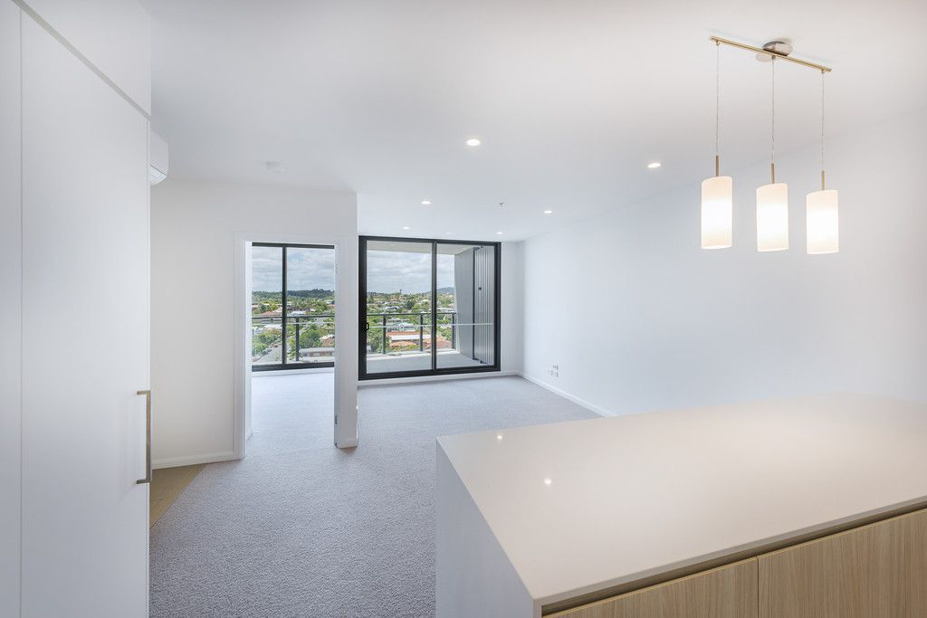 31006/300 Old Cleveland Road, Coorparoo QLD 4151, Image 2