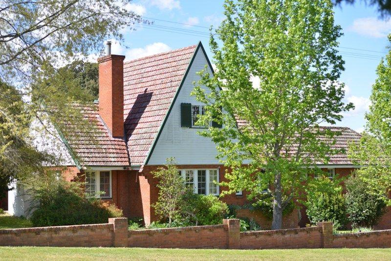 16 Naas Street, Tenterfield NSW 2372, Image 0