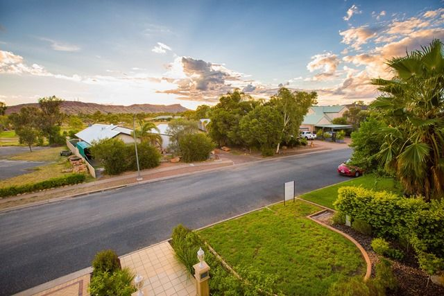 49 Cromwell Drive, Desert Springs NT 0870, Image 2