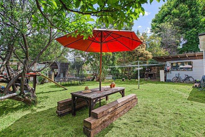 Picture of 17 George Street, THIRROUL NSW 2515