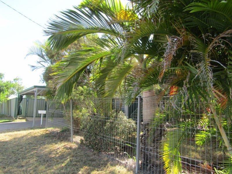 61 Bendee Crescent, Blackwater QLD 4717, Image 2