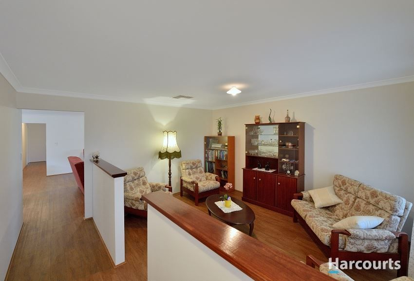 86 Chatsworth Drive, Erskine WA 6210, Image 2
