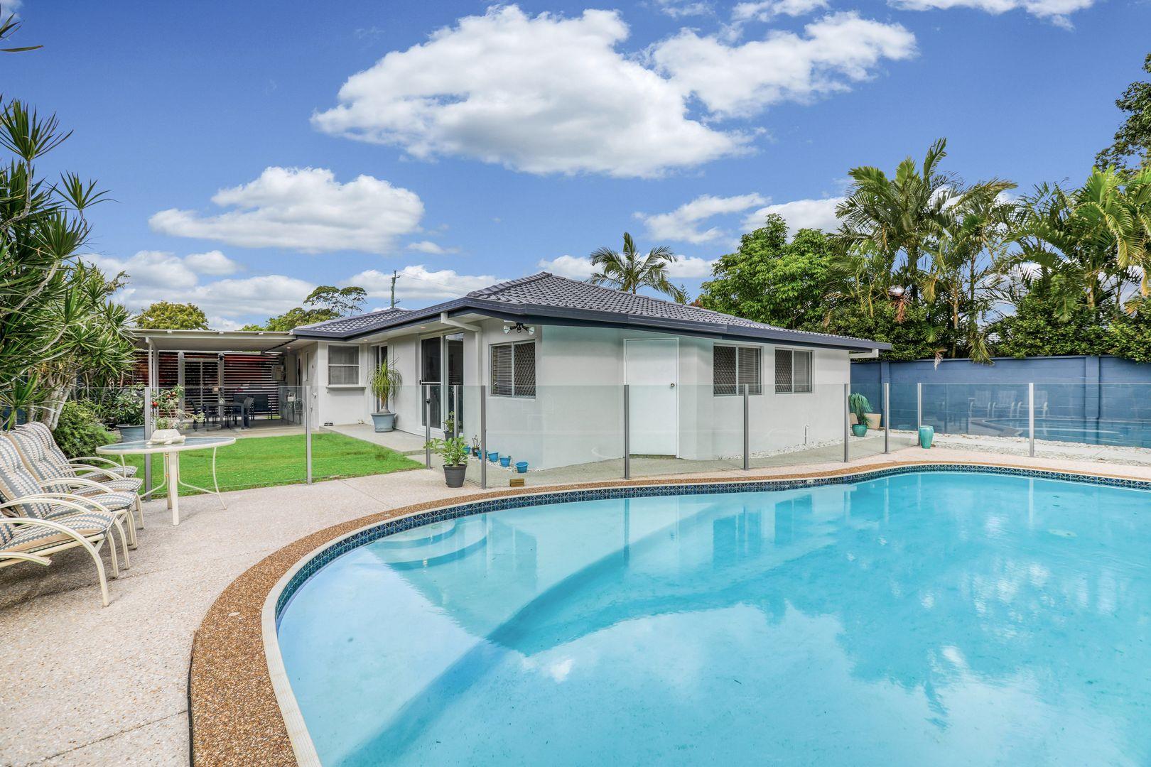 1 Moana Park Avenue, Broadbeach Waters QLD 4218, Image 1