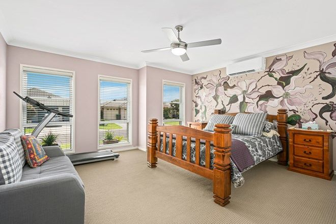 Picture of 6 Shoreline Avenue, HAYWARDS BAY NSW 2530