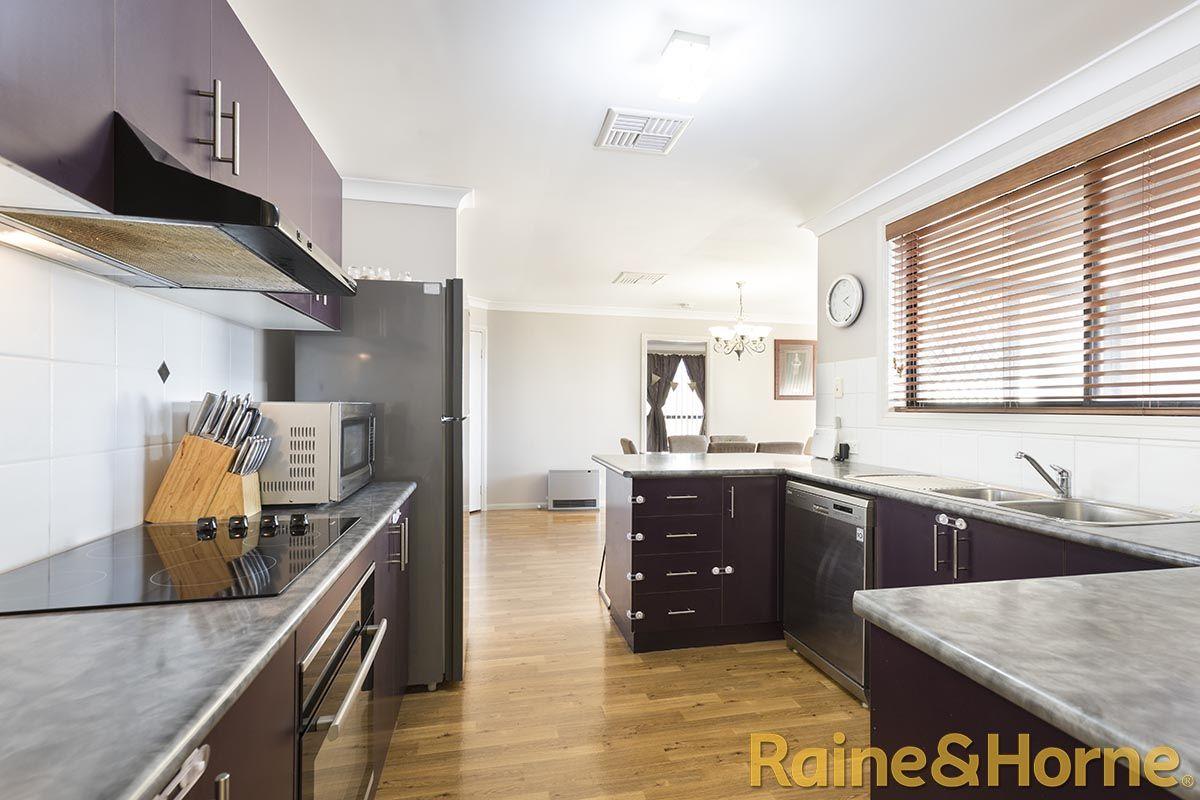 100 Twickenham Drive, Dubbo NSW 2830, Image 2