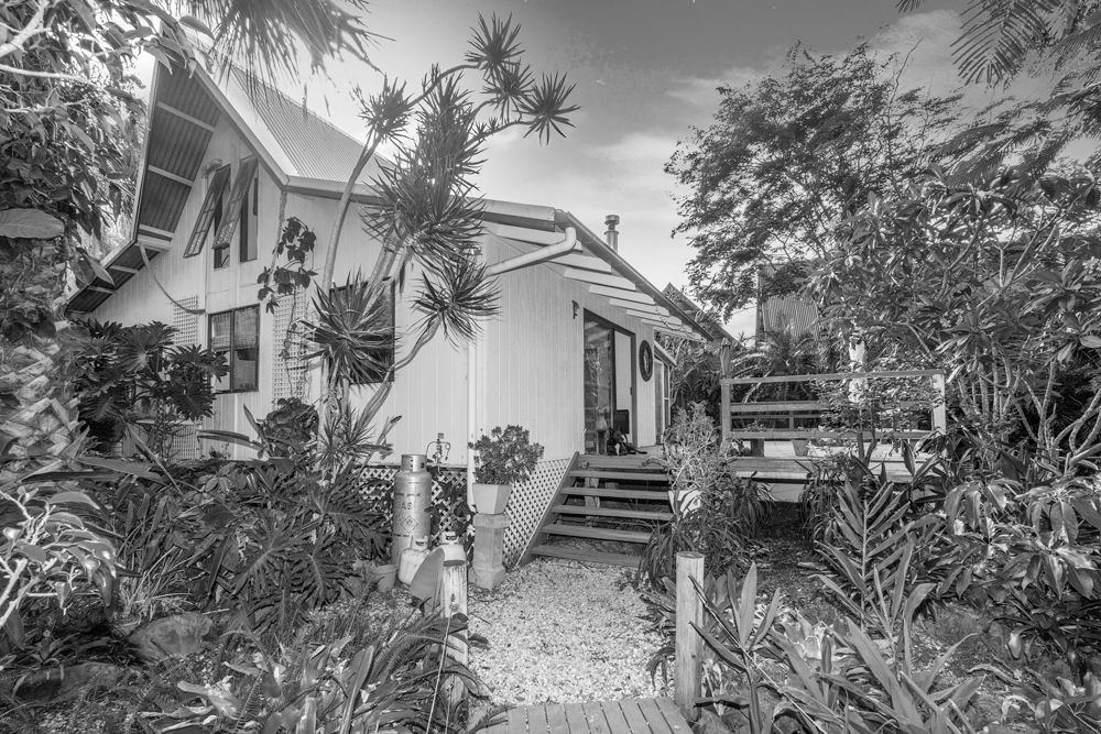 2  Giaour Street, Byron Bay NSW 2481, Image 0