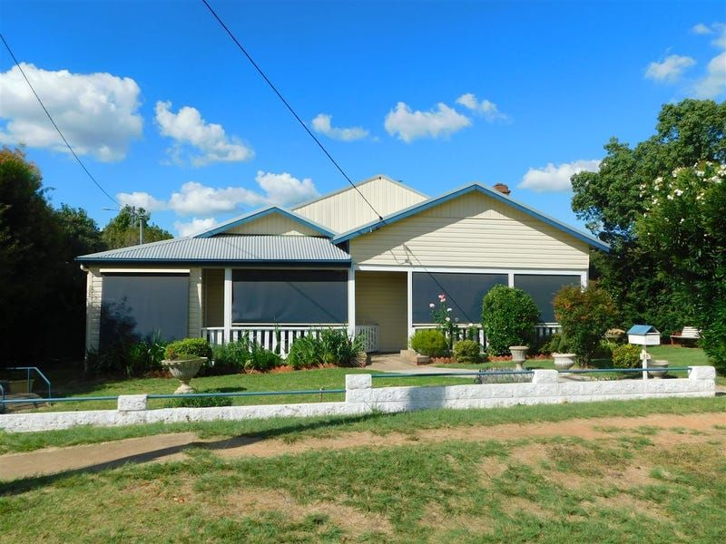 11 Namoi Street, Coonabarabran NSW 2357