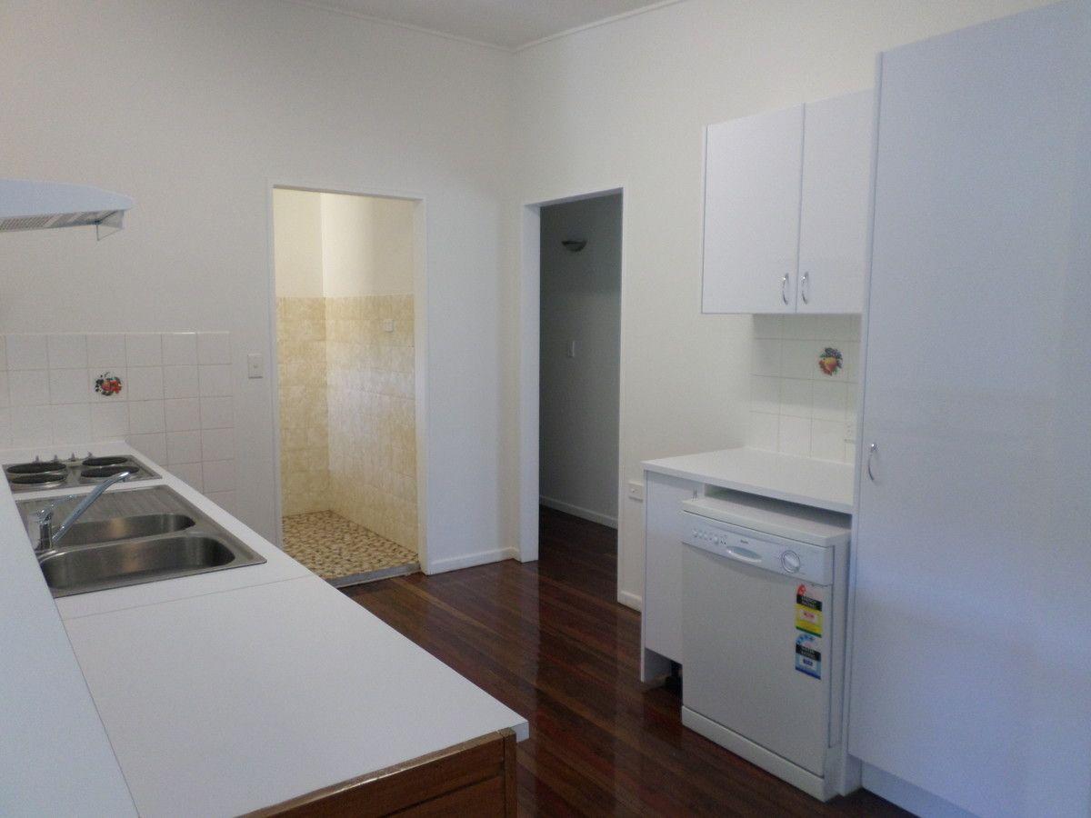 4 Robbins Street, Corinda QLD 4075, Image 1