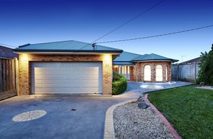 Picture of 29 Corhanwarrabul Close, Rowville VIC 3178
