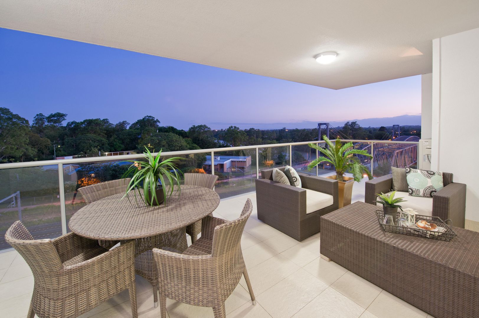 403/30 Riverview  Terrace, Indooroopilly QLD 4068, Image 2