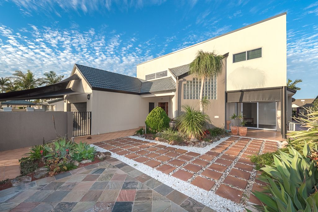 149 Pebble Beach Drive, Runaway Bay QLD 4216, Image 2