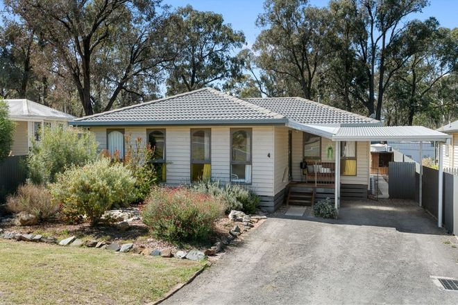 Picture of 4 Darcy Street, SAILORS GULLY VIC 3556