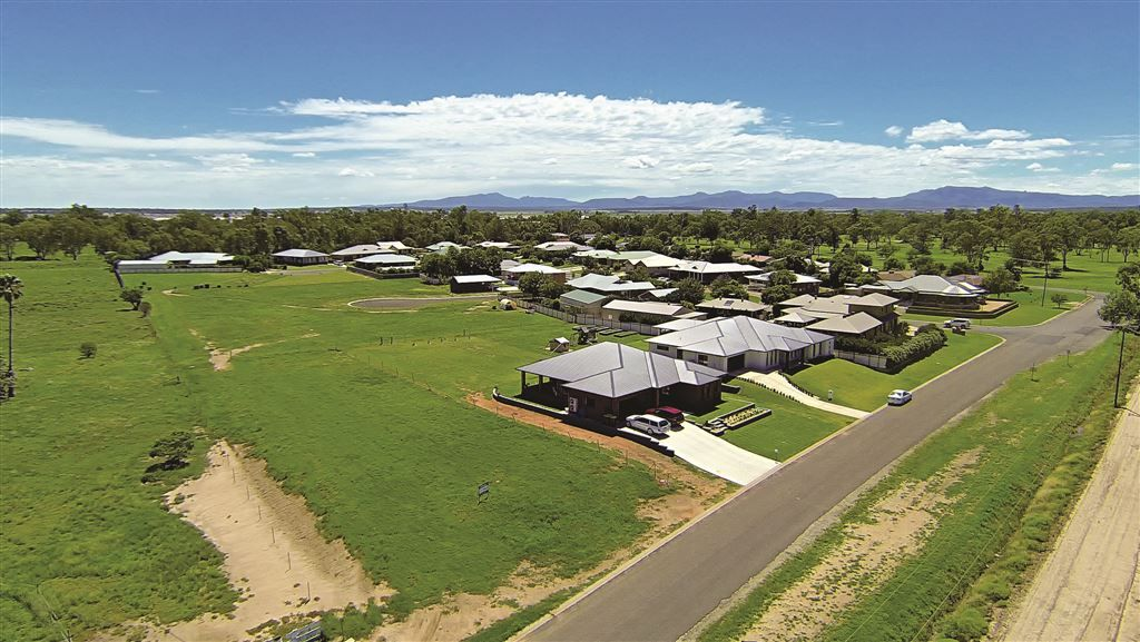 4 Leora Close, Narrabri NSW 2390, Image 1