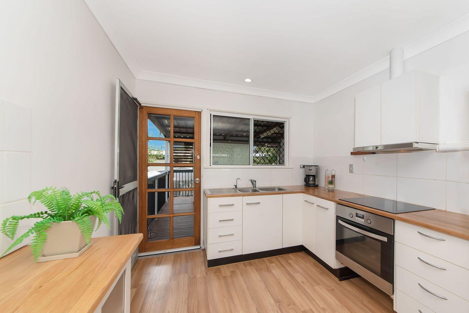 25 Hibiscus Street, Cranbrook QLD 4814, Image 2