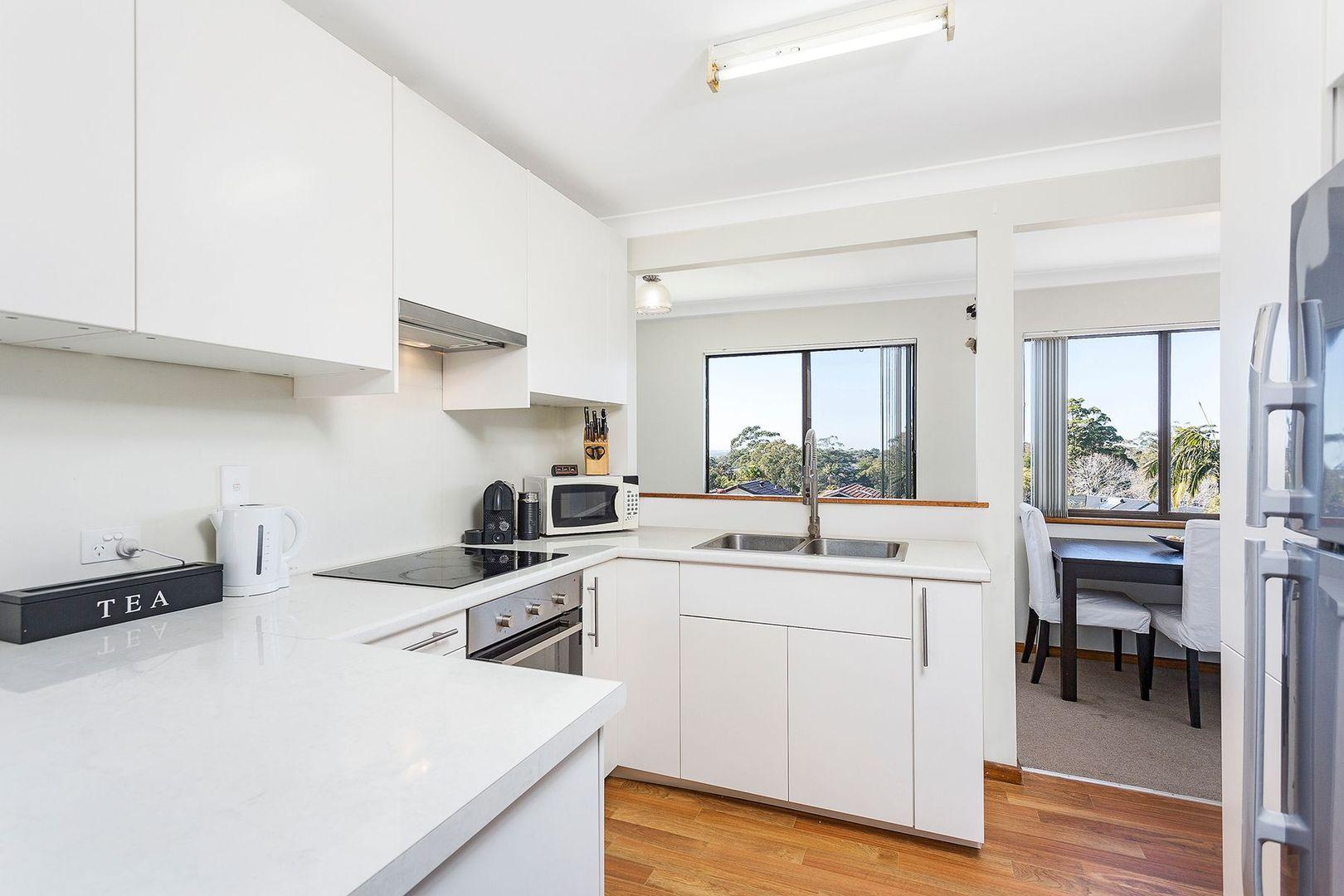 12 Bolaro Avenue, Gymea NSW 2227, Image 2