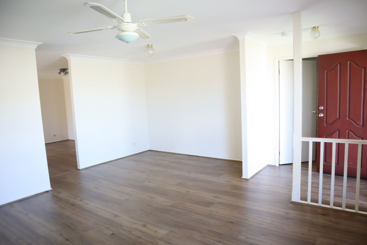 6 Pritchard Place, Glenmore Park NSW 2745, Image 2