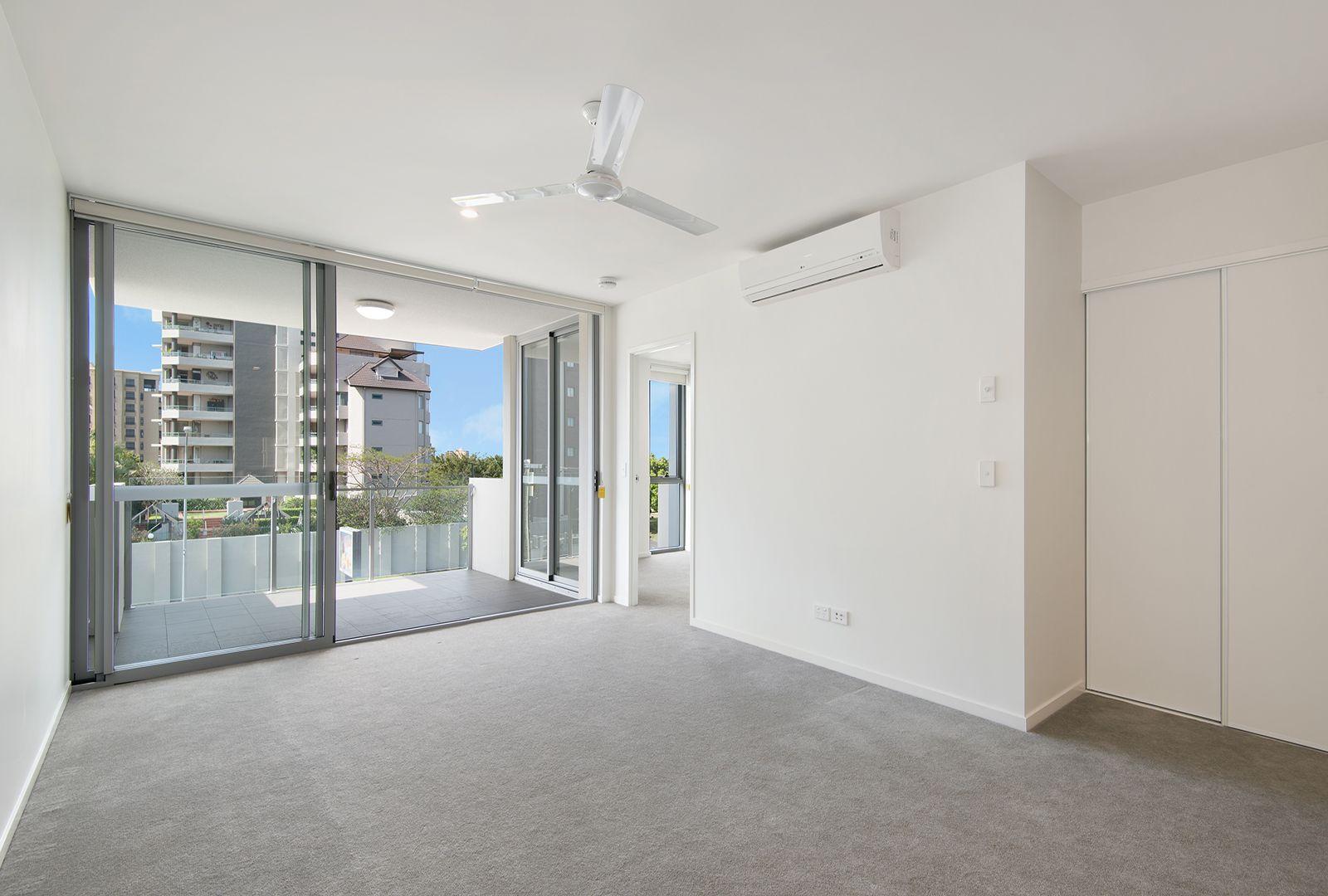 201/11-17 Lytton Road, East Brisbane QLD 4169, Image 2