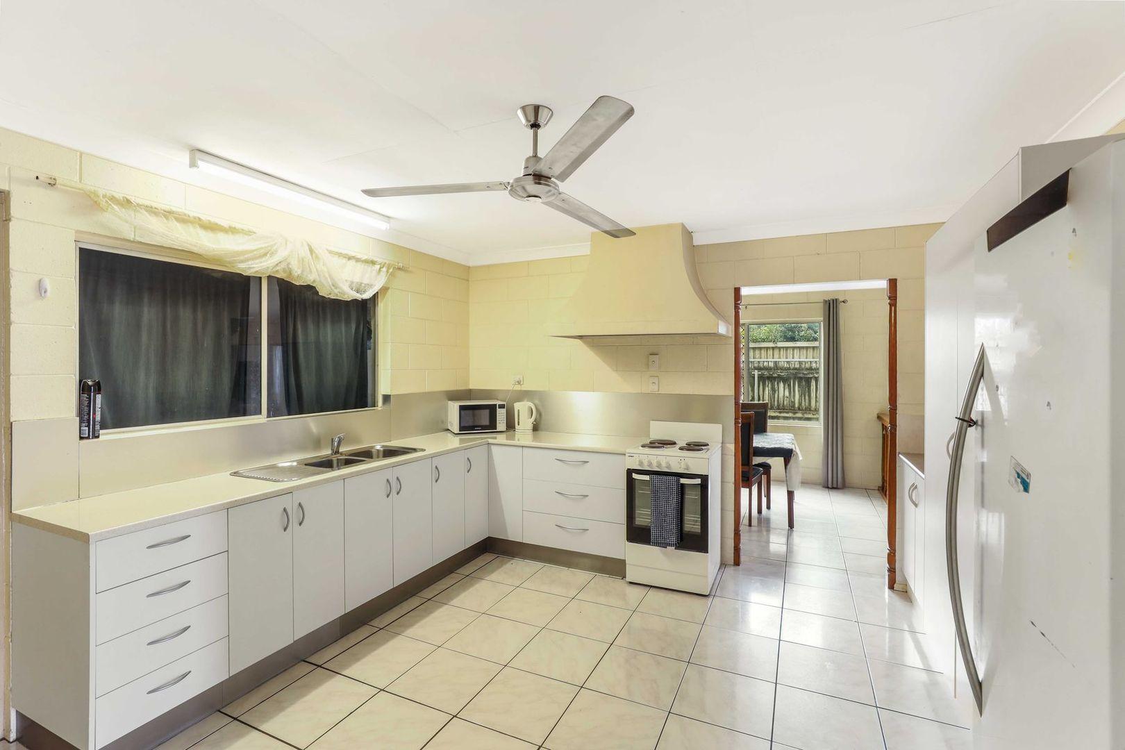 316 McCoombe Street, Mooroobool QLD 4870, Image 1
