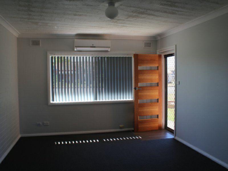 2/141 Lang Street, Glen Innes NSW 2370, Image 2