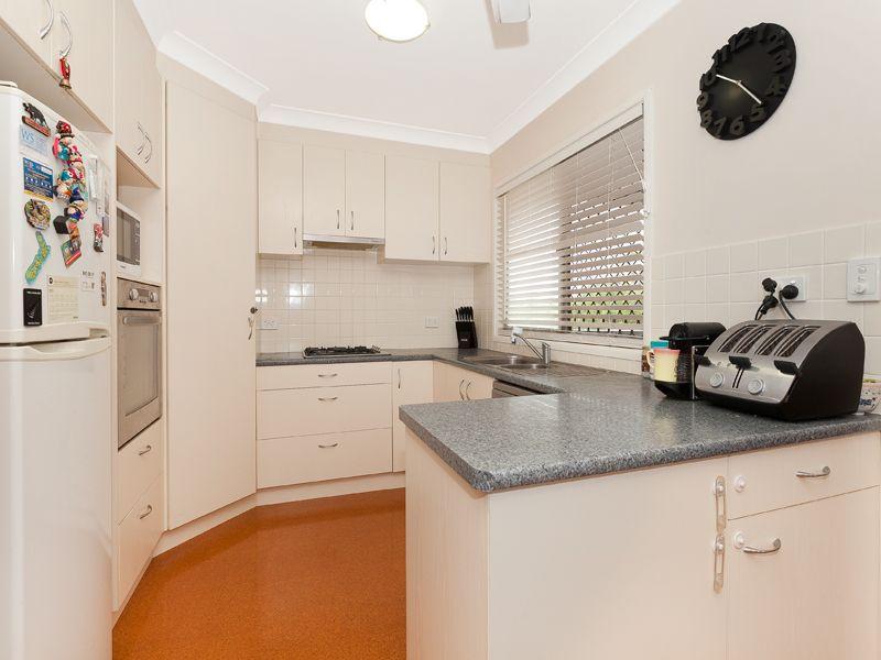 54 Lomatia Street, Everton Hills QLD 4053, Image 2