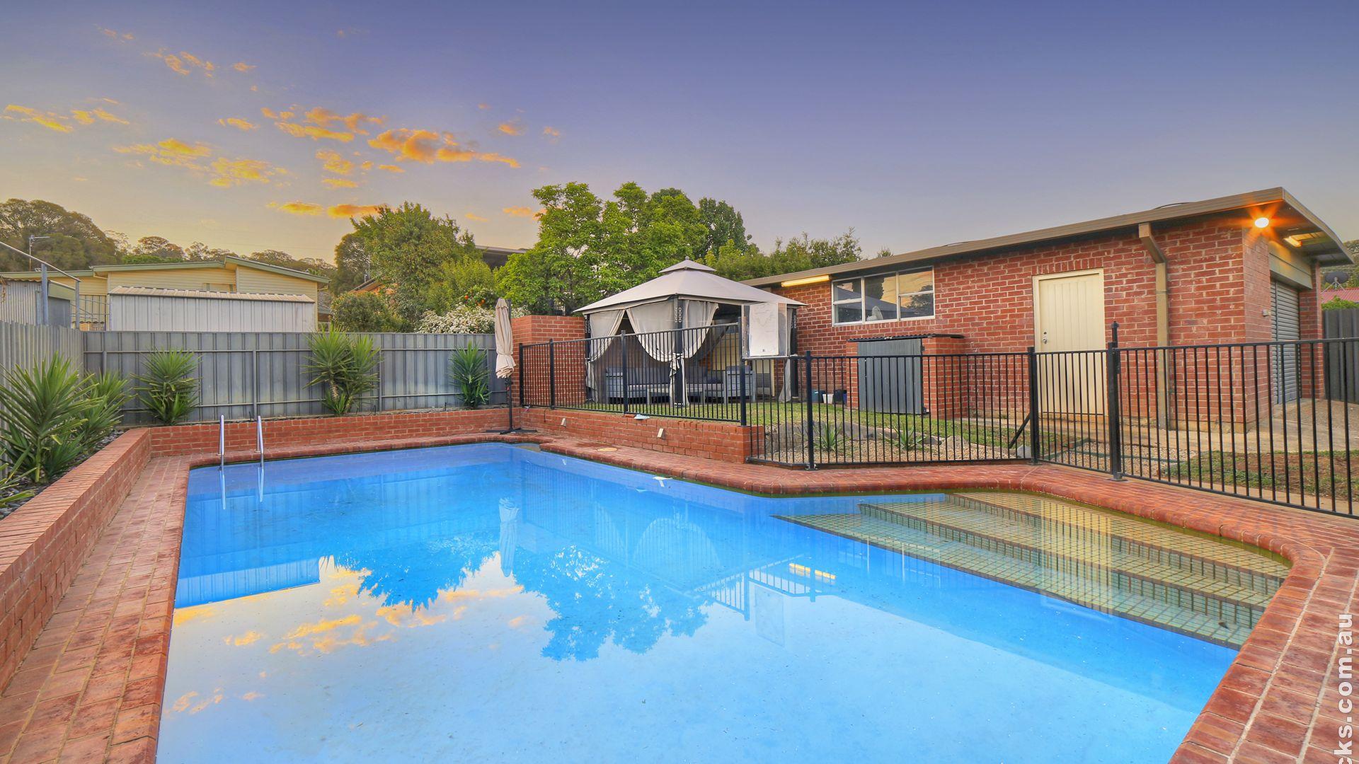 216 Lake Albert Road, Kooringal NSW 2650, Image 2