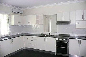 7 Logan Avenue, Oxley QLD 4075, Image 1