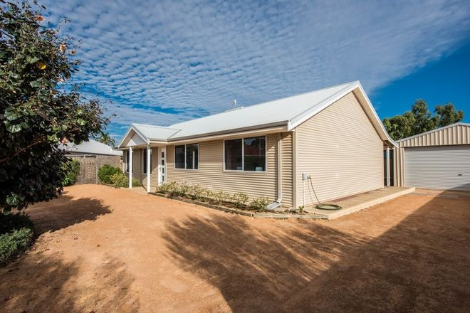 Picture of 4 Desmond Place, WALKAWAY WA 6528