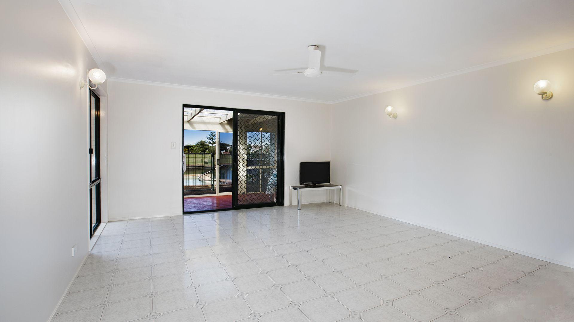 195/4 Melody Court, Warana QLD 4575, Image 1